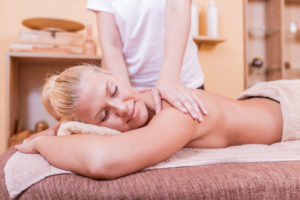 Terapeutska masaza ledja u Fizio Spa
